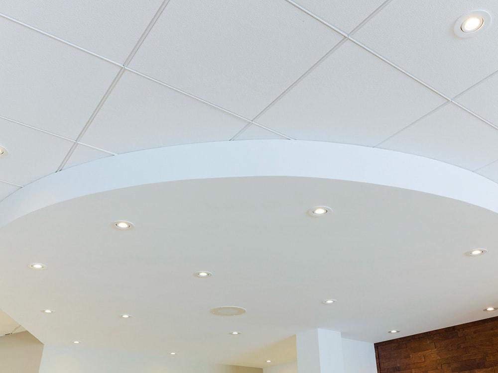 clinique-boisbriand-plafond-et-retombe-gypse