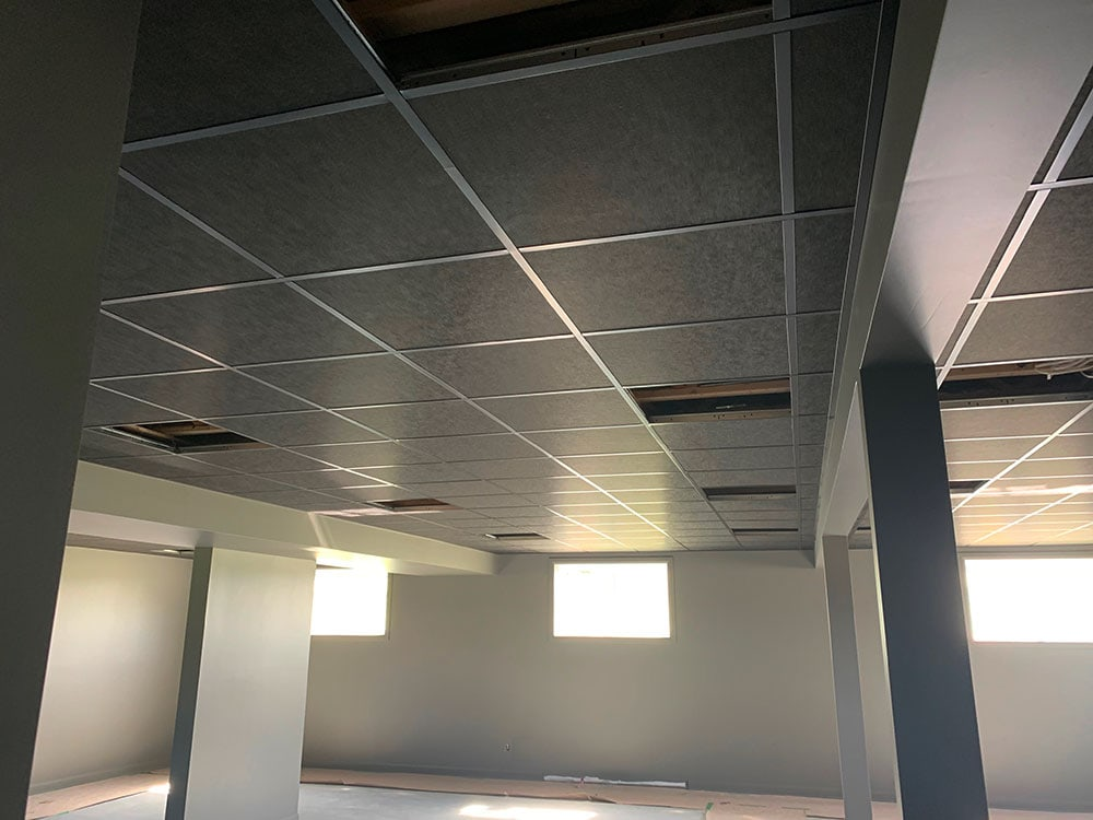 plafond-suspendu-noir-residence-prestige