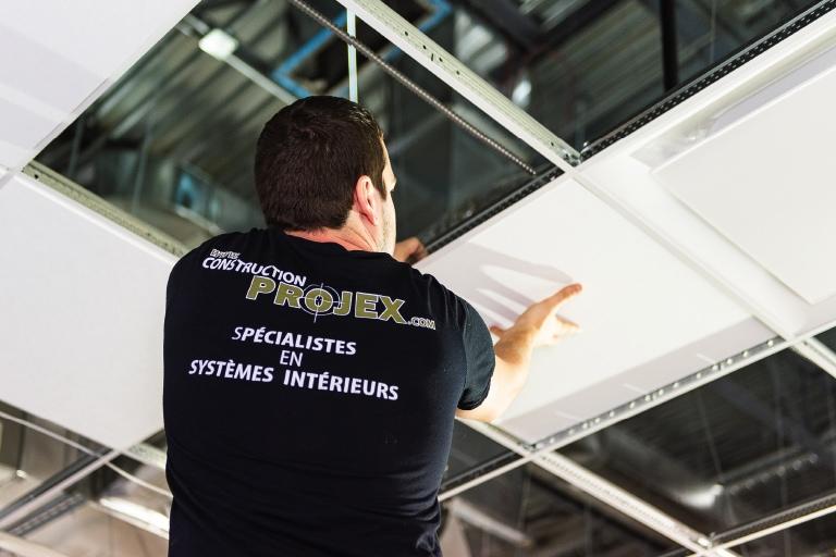 service-de-pose-plafond-suspendu